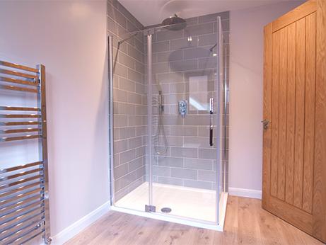 HQDB-Pine-Drive-Bathroom-6.jpg