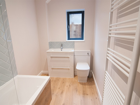 HQDB-Pine-Drive-Bathroom-9.jpg