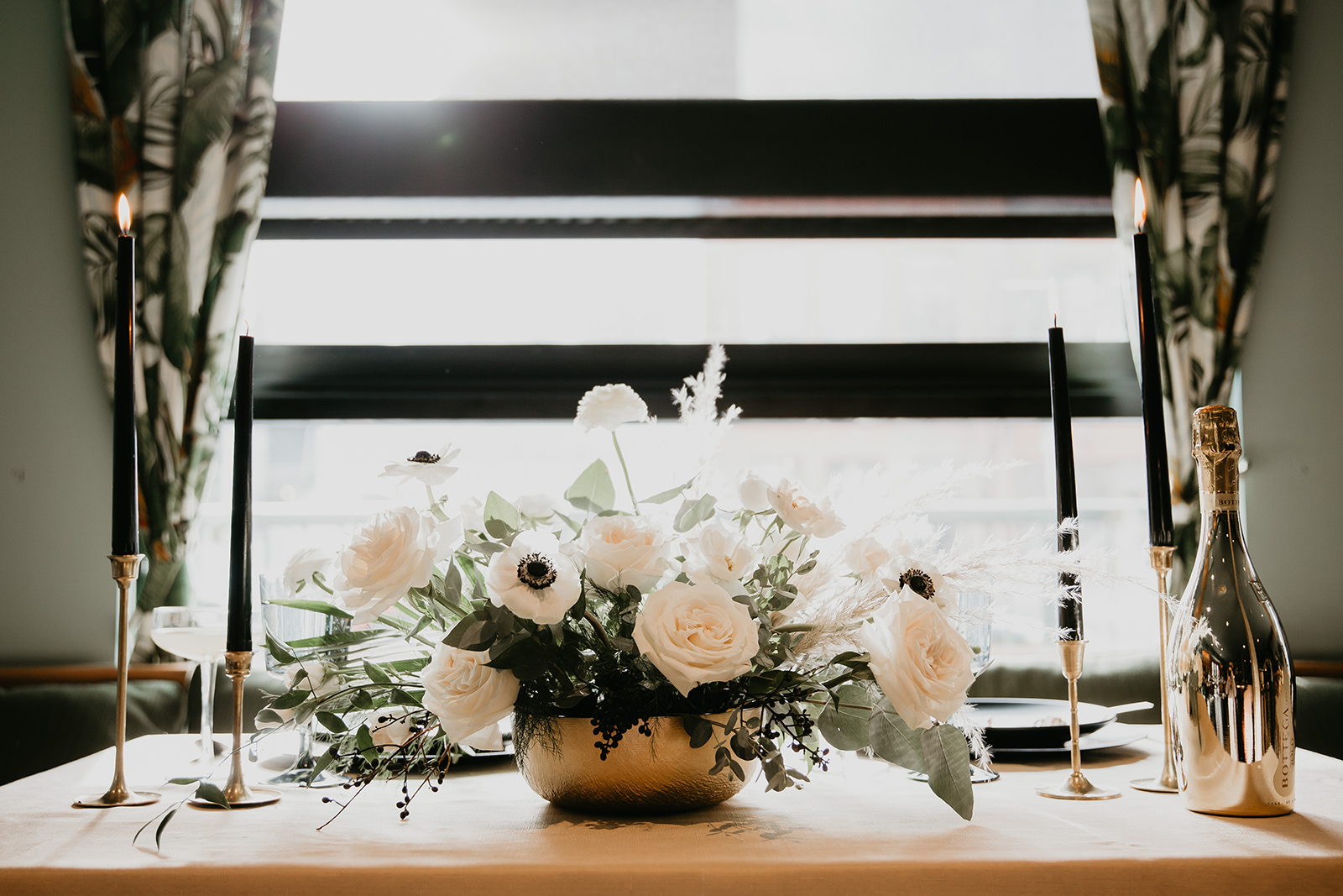 Calgary wedding inspiration tablescape
