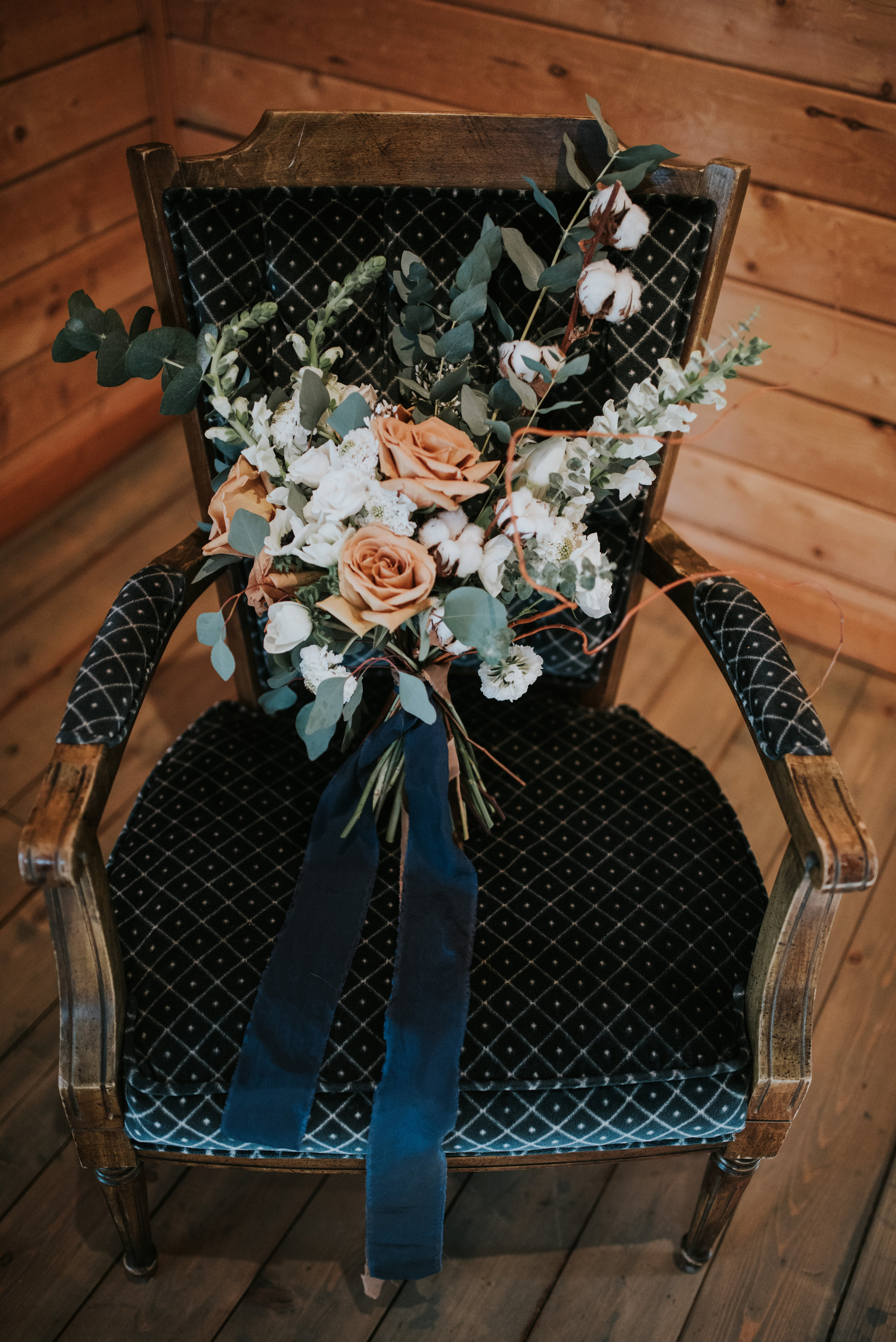 calgary wedding bridal bouquet parlor chair