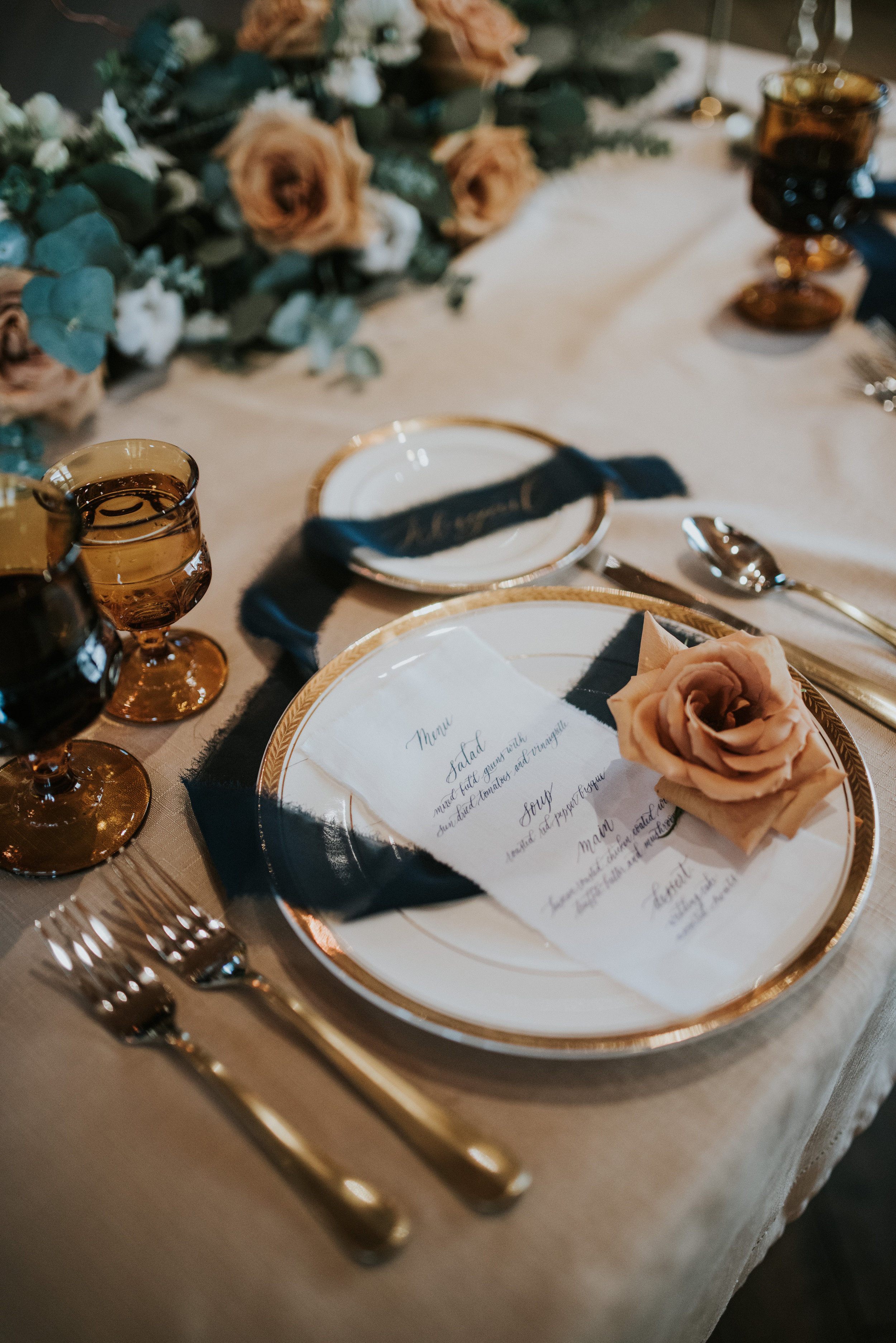 calgary wedding table setting table scape caramel navy tones