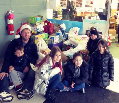 Family Weekend of Volunteers -3.JPG