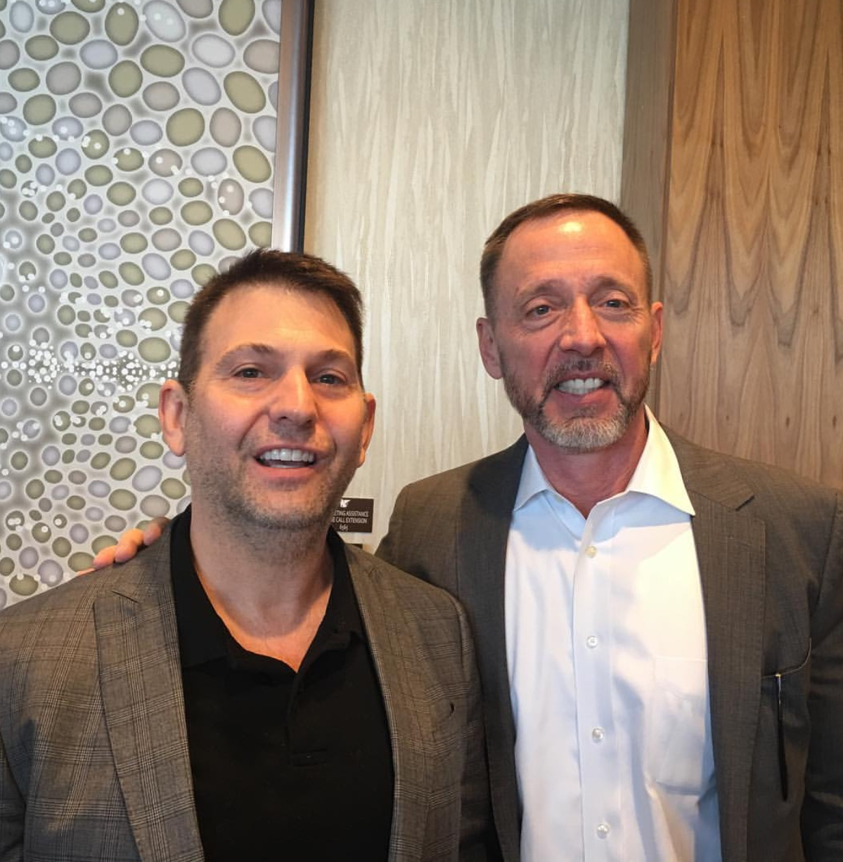 """With Lead International  FBI  Hostage negotiator and New York Times Bestselling author of """"Never Split the difference"""" Chris Voss after his excellent seminar on Negotiating Principles."""