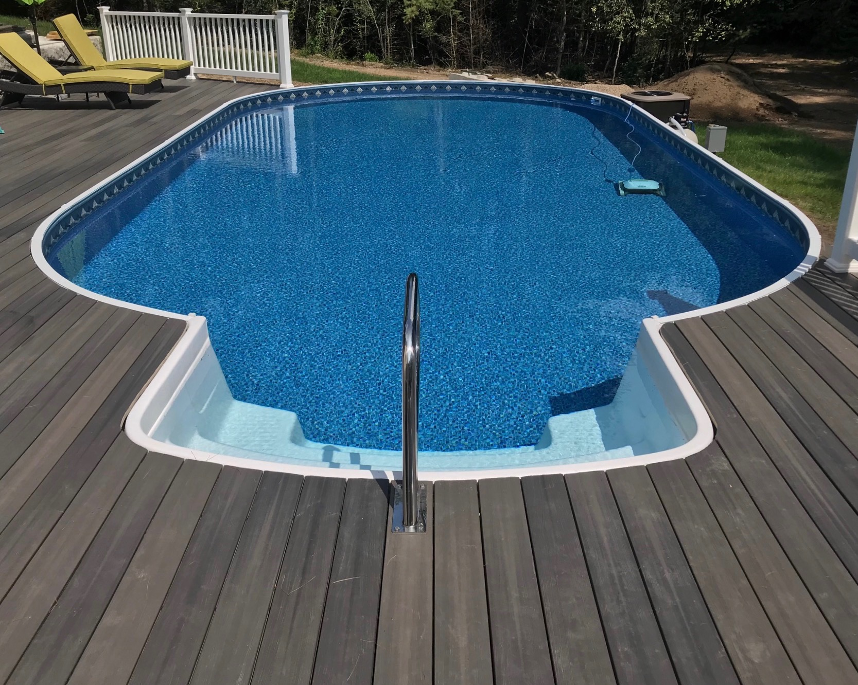 16'x32' Radiant Metric Oval with Thermoplastic Step