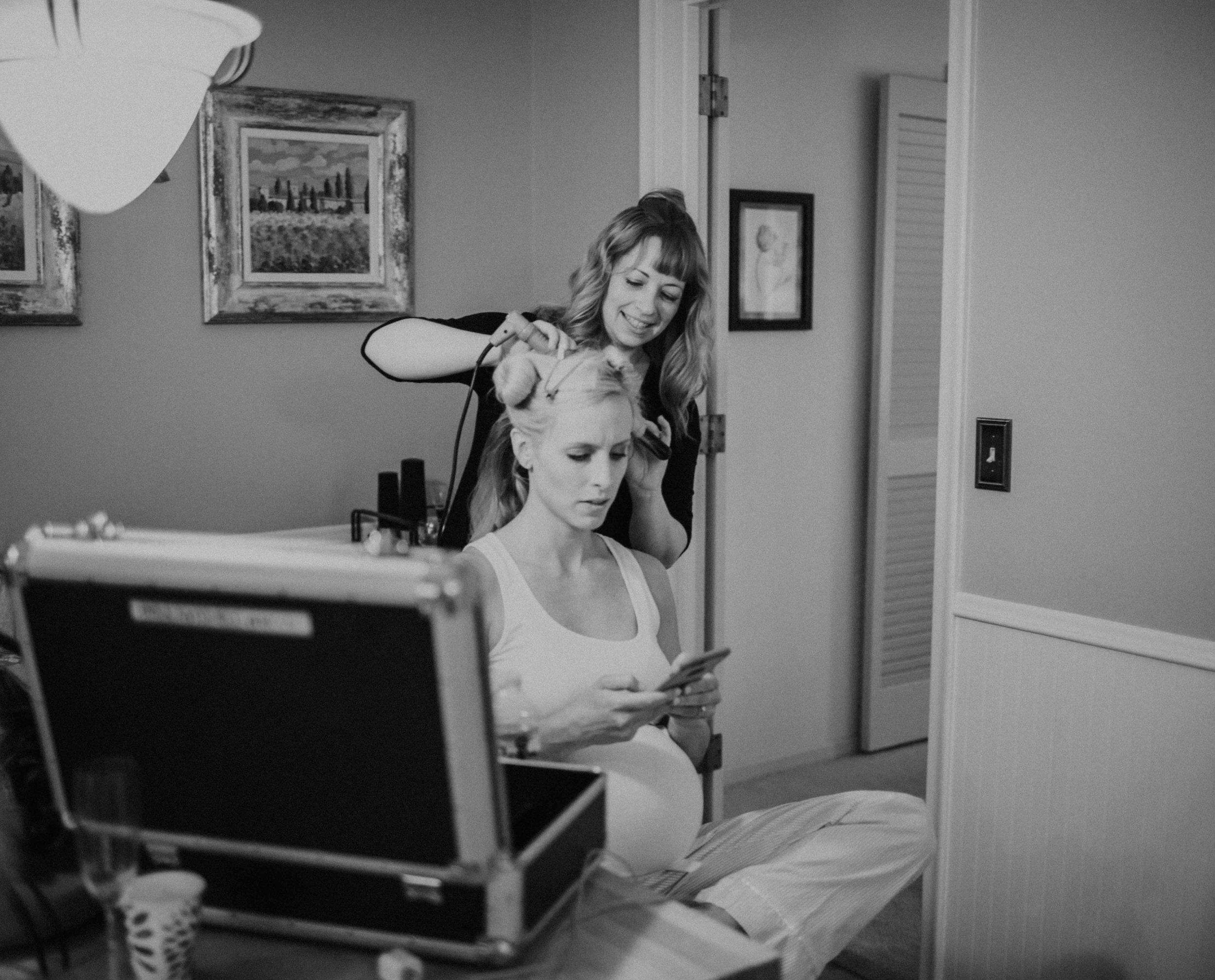 Emma+Tim Getting Ready-38.jpg
