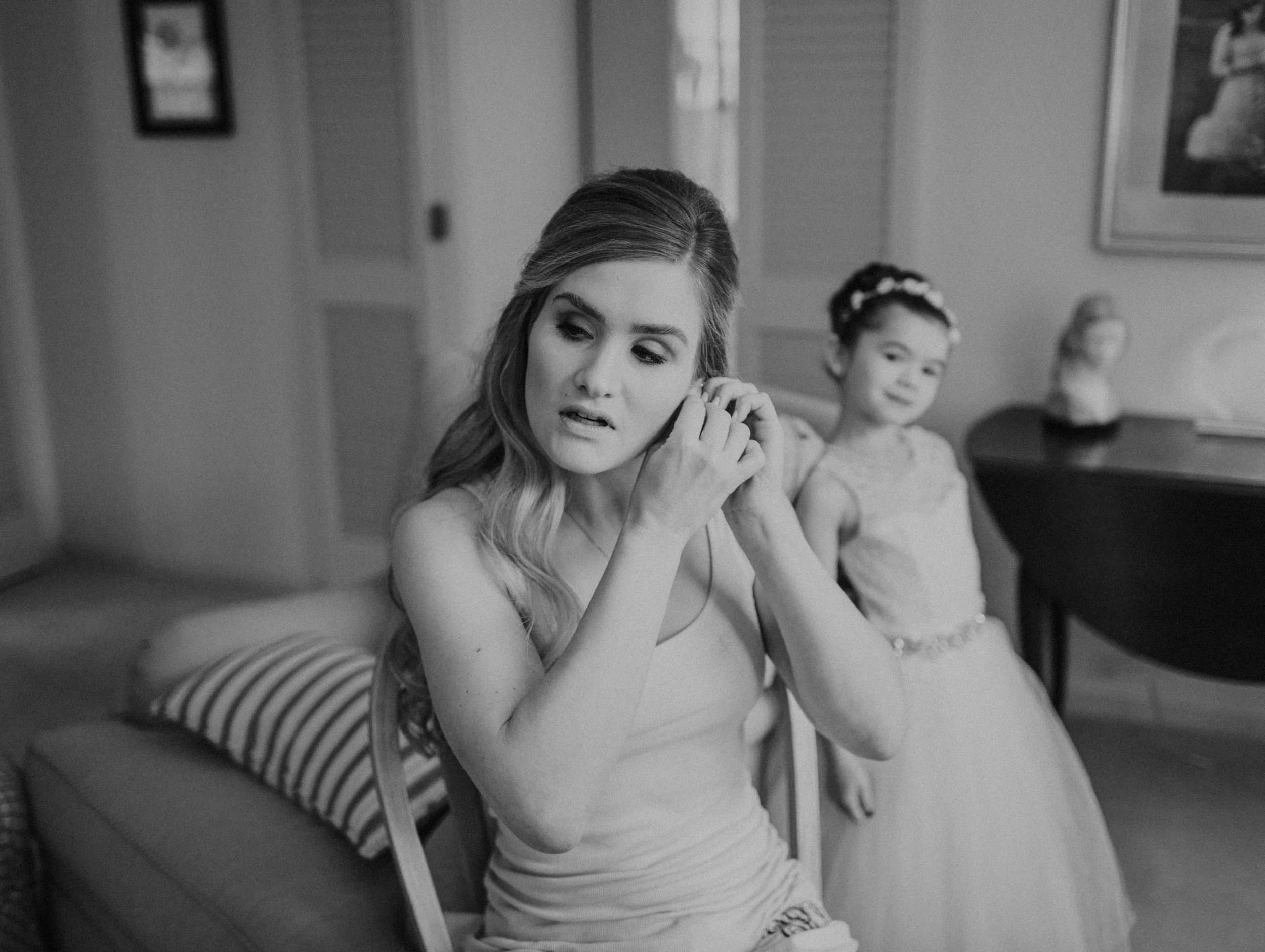 Emma+Tim Getting Ready-63.jpg