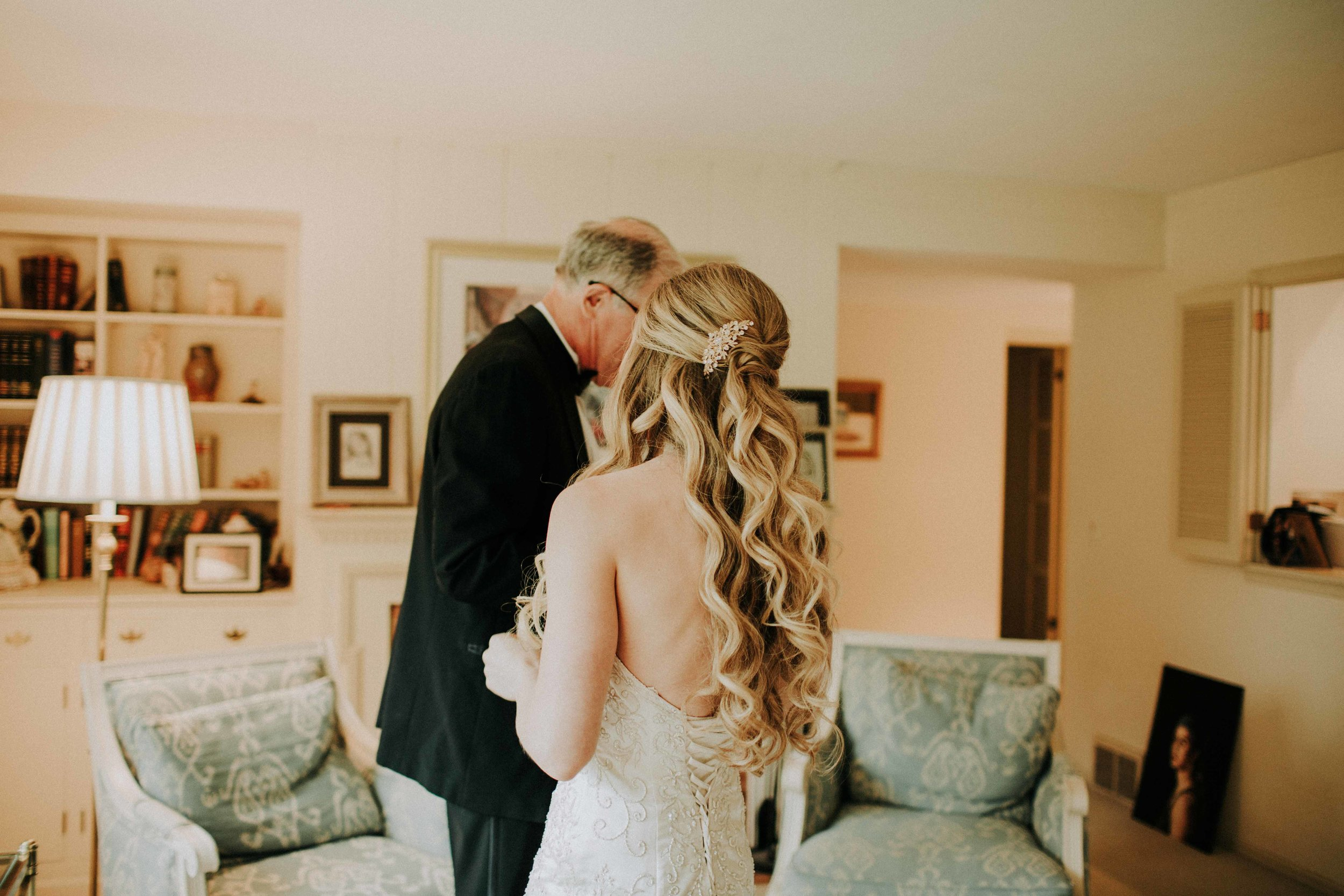 Emma+Tim Getting Ready-116.jpg