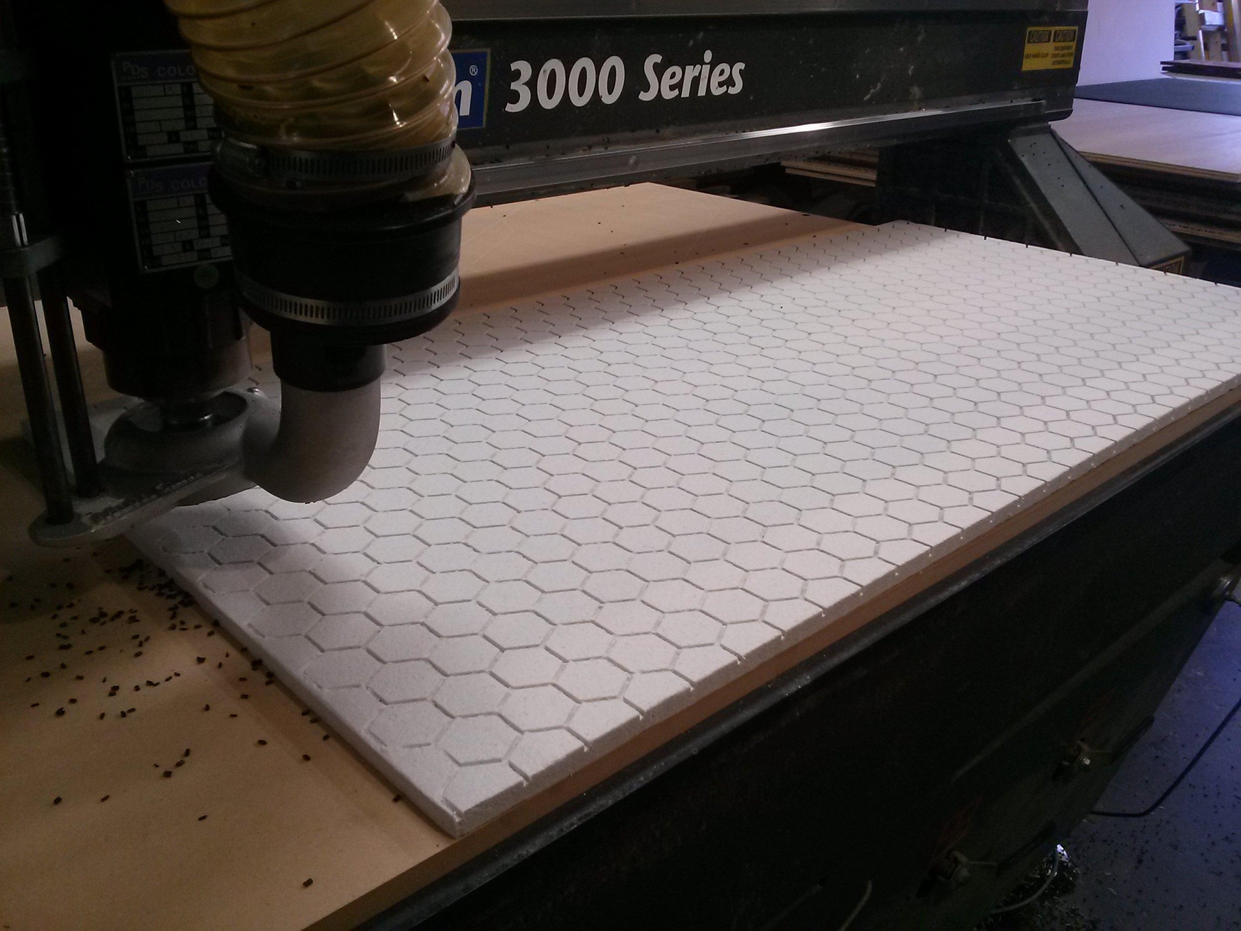 Refractory honeycomb pattern