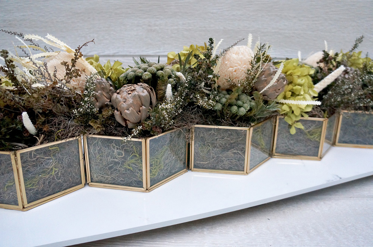 rustic-glass-table-Arrangement-Mallory-.jpg