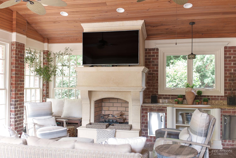 pretty-practical-rustic-sunroom-interior-design-14.jpg
