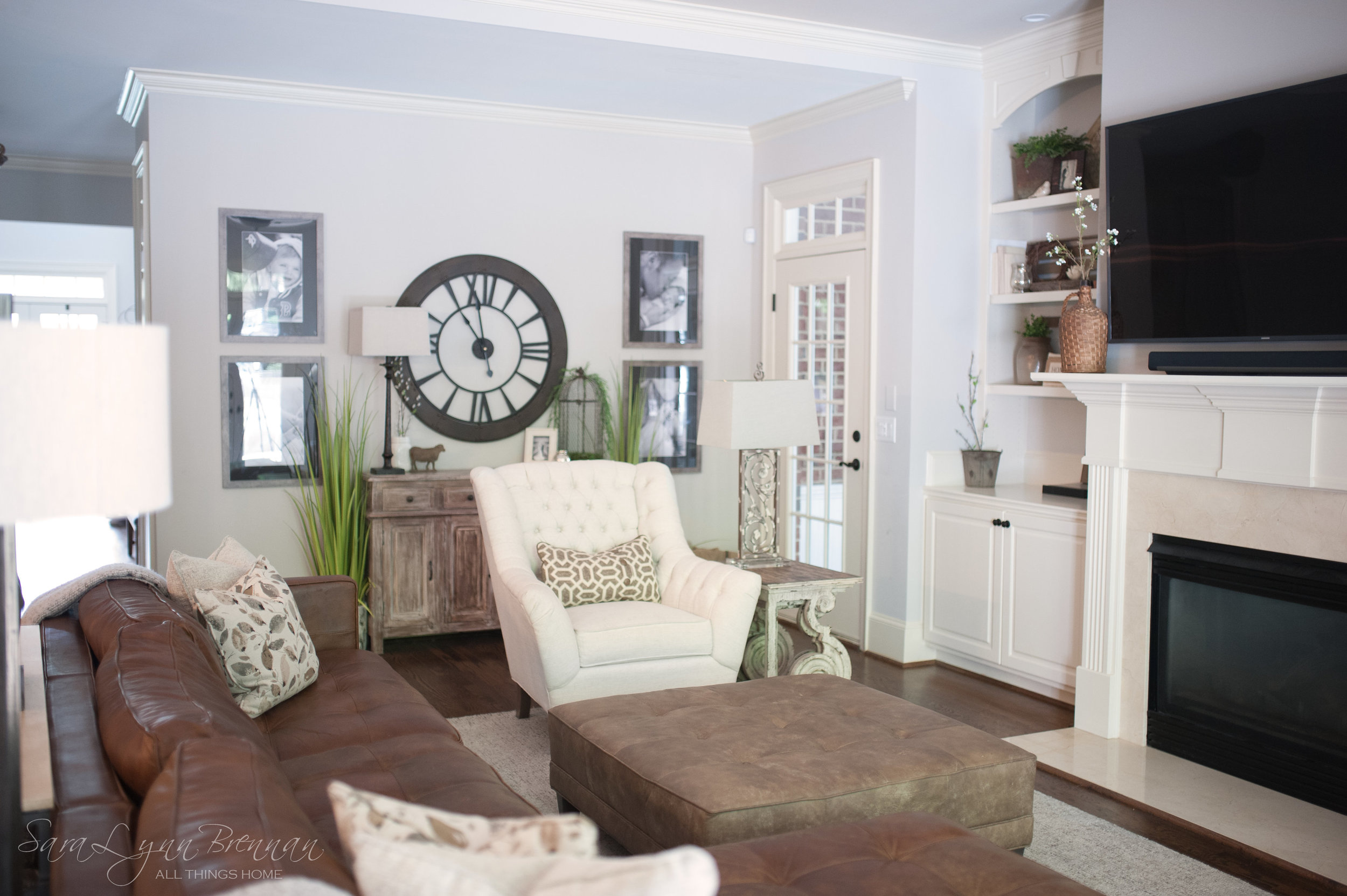 beautiful-neutral-family-room-interior-design-18.jpg