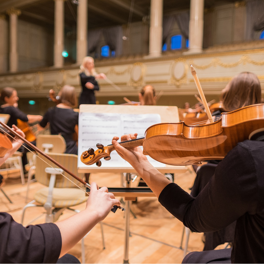 Since 1982 Artsmarketing Services has been working with Performing Arts organizations all across North America and Australia to build audiences, secure donations, identify planned gifts and build endowment and capital campaigns. Image of orchestra rehearsal.