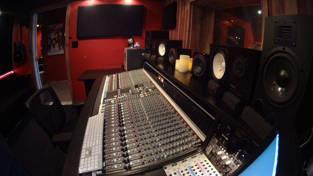 FEATURED STUDIOS - Click here for featured studios available for booking.