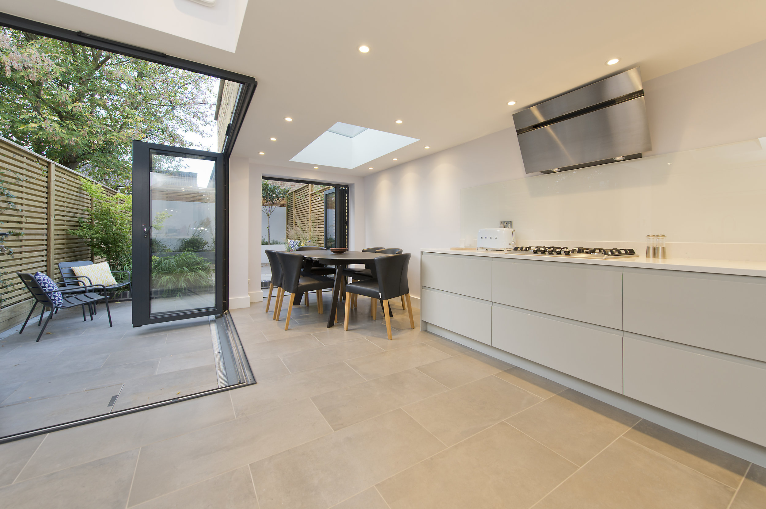 Outdoor, indoor living extension Chiswick, The Kitchen and Loft Company