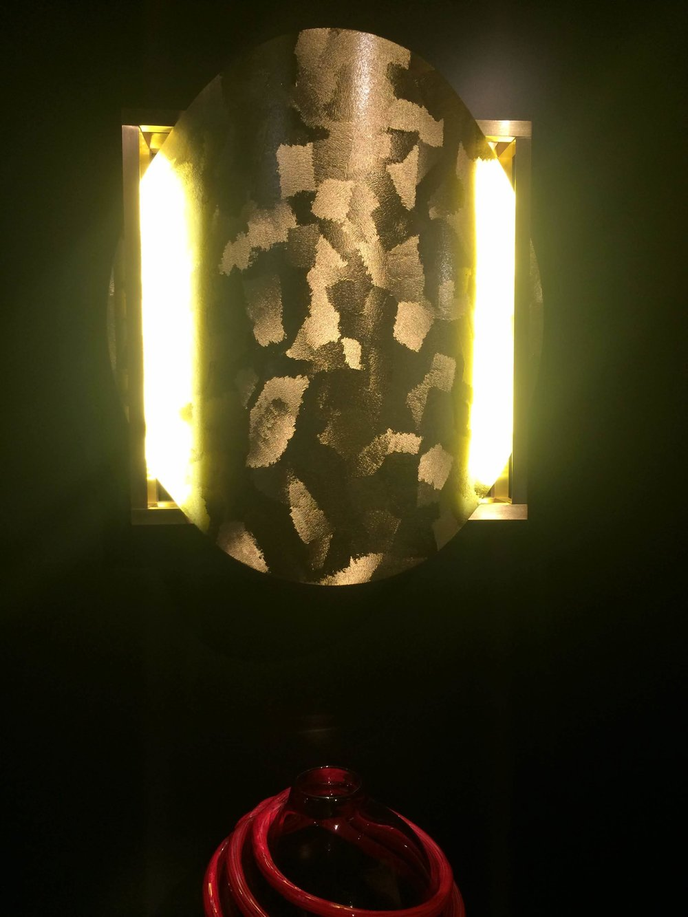 Tesoro vase and Ray wall light by Pierre Gonalons. PIERRE GONALONS EDITIONS