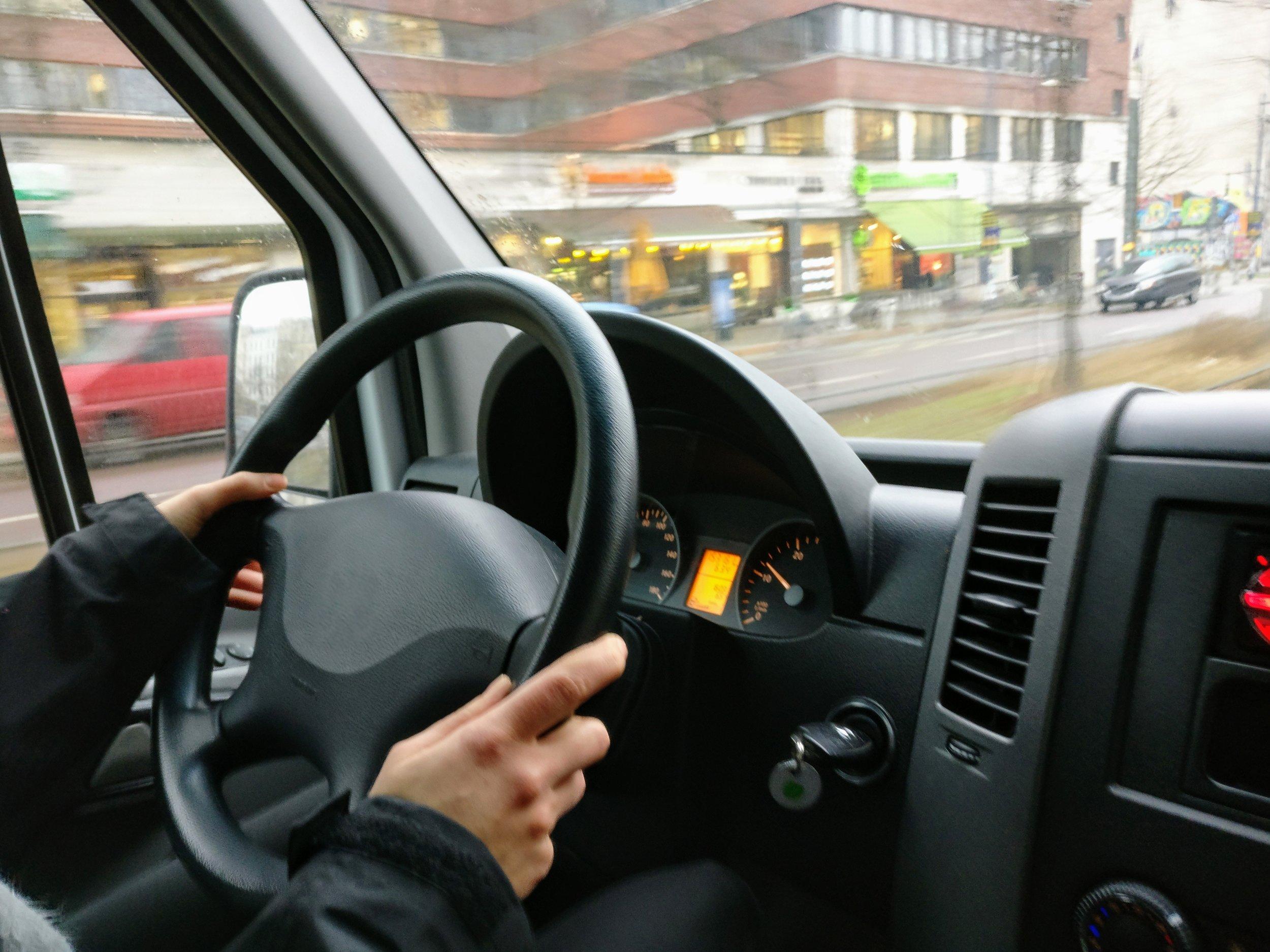 automobile-automotive-car-543605.jpg