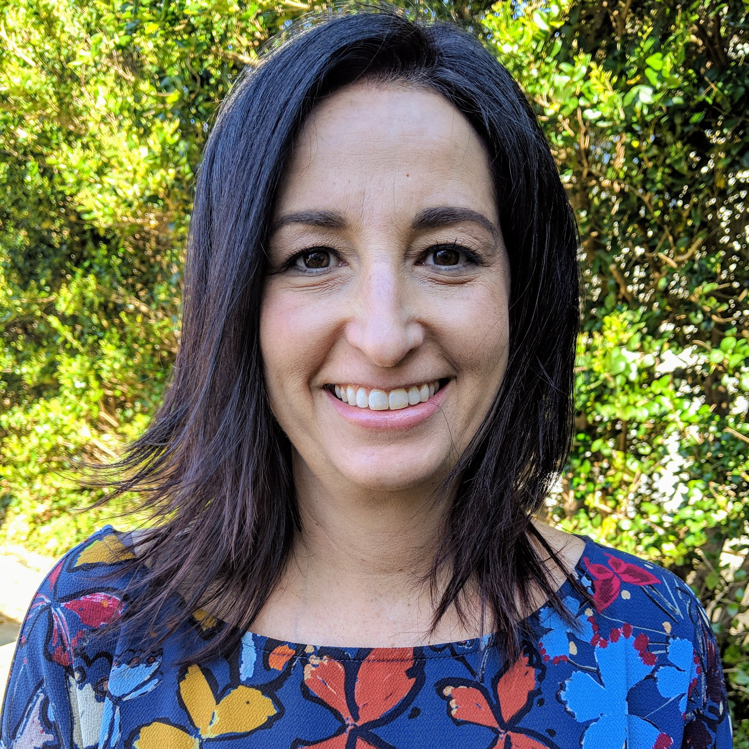 Robin Dorfman, MPH   Programs Coordinator  (919) 676-2200 x129  JFSPrograms@ShalomRaleigh.org   Robin joined JFS in March 2019 as the Programs Coordinator. With input from the JFS Clinical staff, she develops and implements broad-based community outreach programs that are social service in nature.