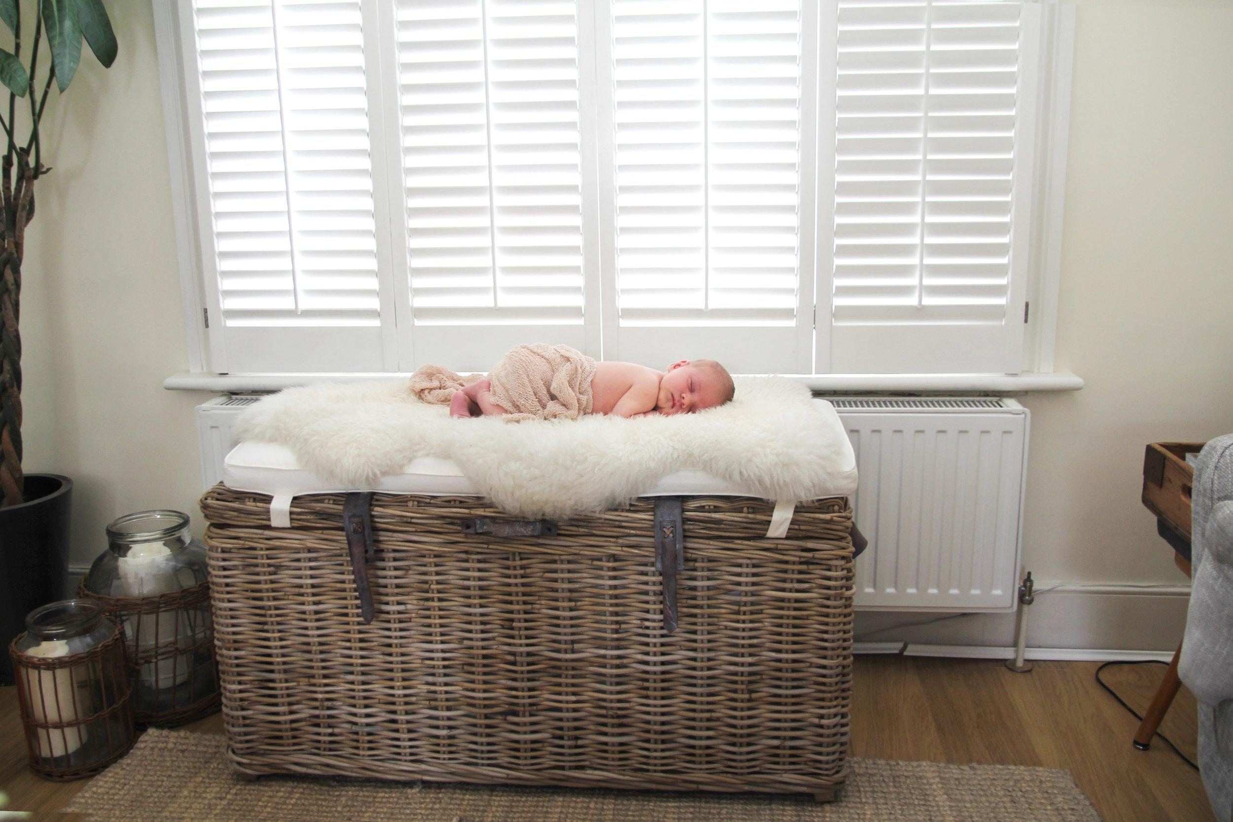 Lifestyle newborn photography, berkshire, london, surrey