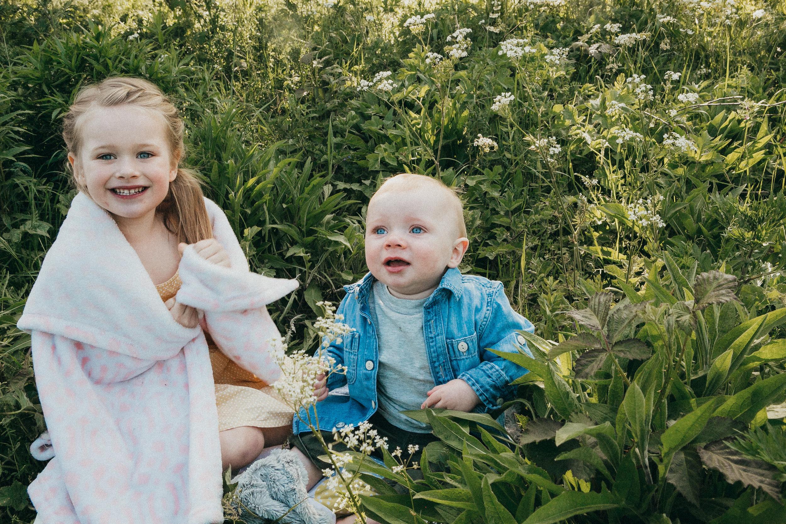 outdoors family shoot Berkshire 20.jpg