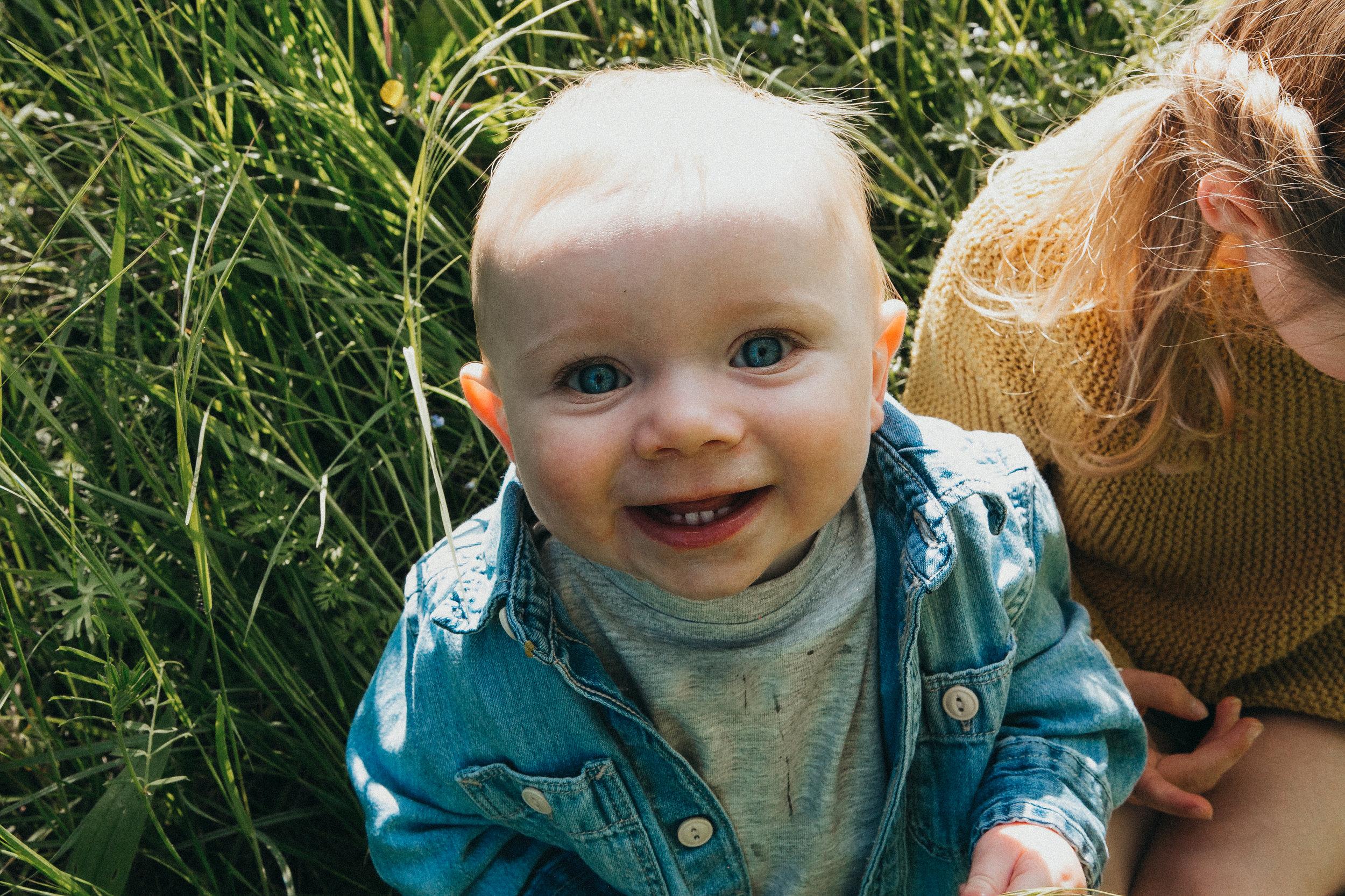 outdoors family shoot Berkshire 35.jpg