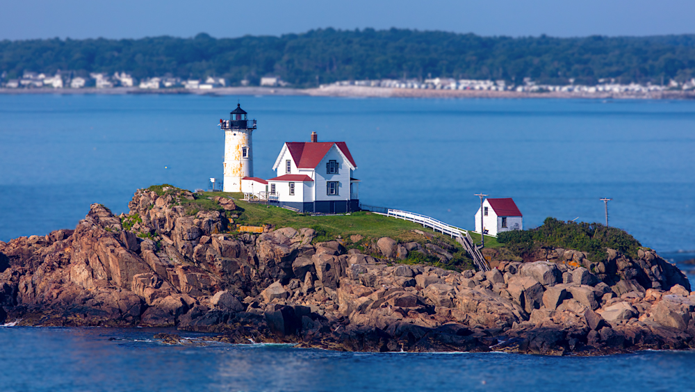 Nubble Light Tour - A 30 Minute experience flying over this extraordinary stretch of Maine history. This tour explores 15 miles of picturesque Maine coastlines. Covering Nubble light, The York Cliffs, Ogunquit, Wells beach, and ending at the mouth of the Mousam river.$250 (up to three people no extra cost)
