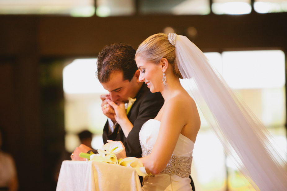 Grove-Isle-Hotel-Miami-Wedding_028