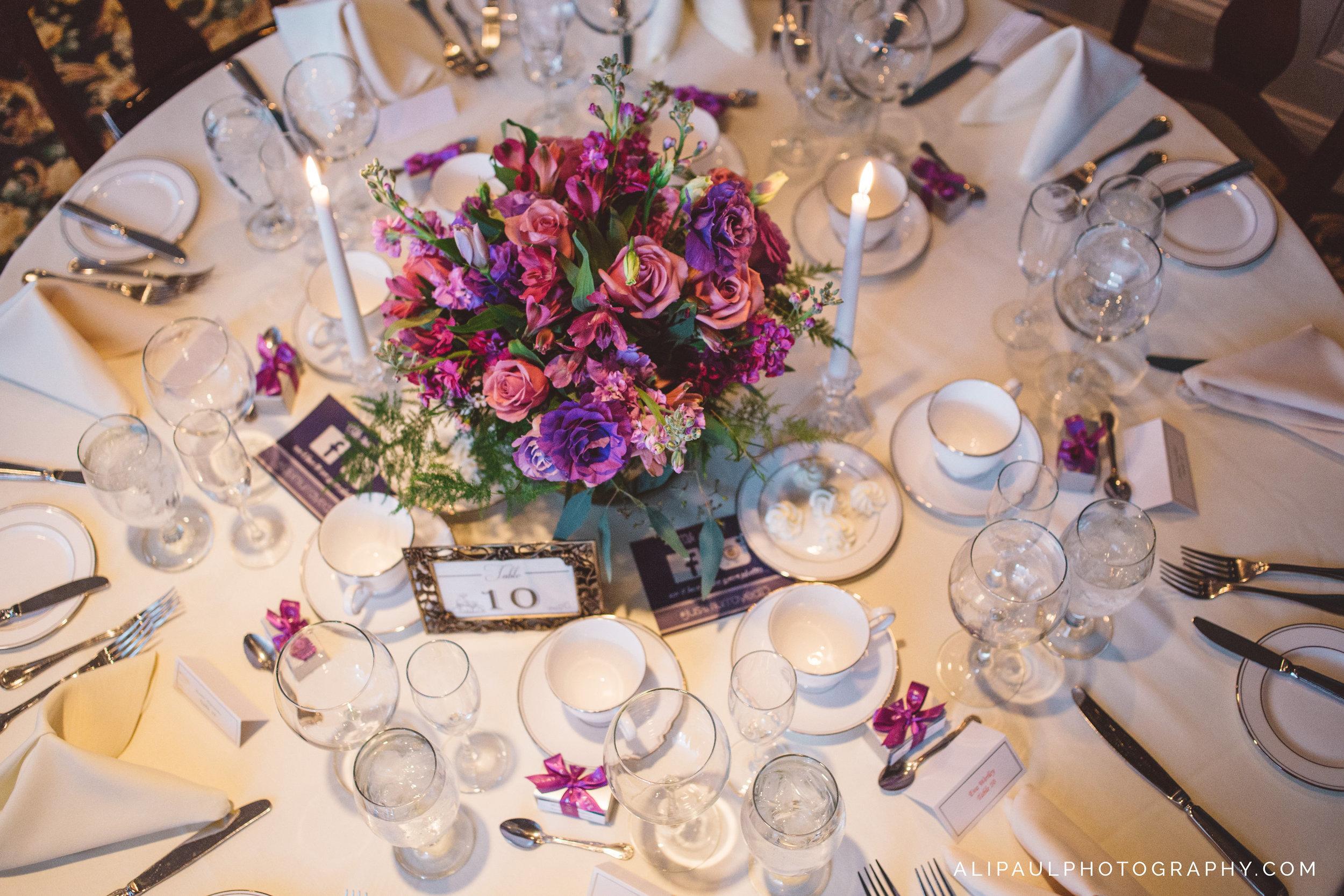 WEDDIGN TABLE