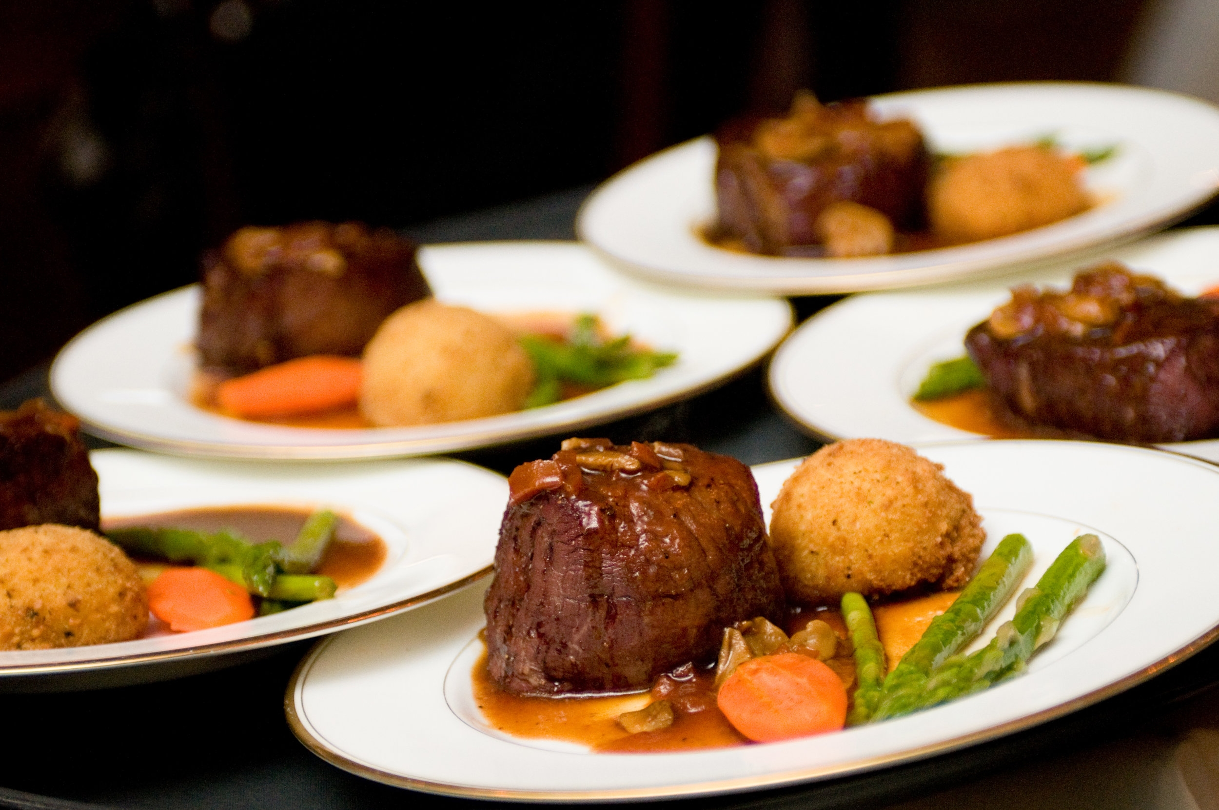 OUR MENUS - From rehearsal dinners to bridal showers, weddings to corporate events, Vickers has standard and customized menus to suite ever need.