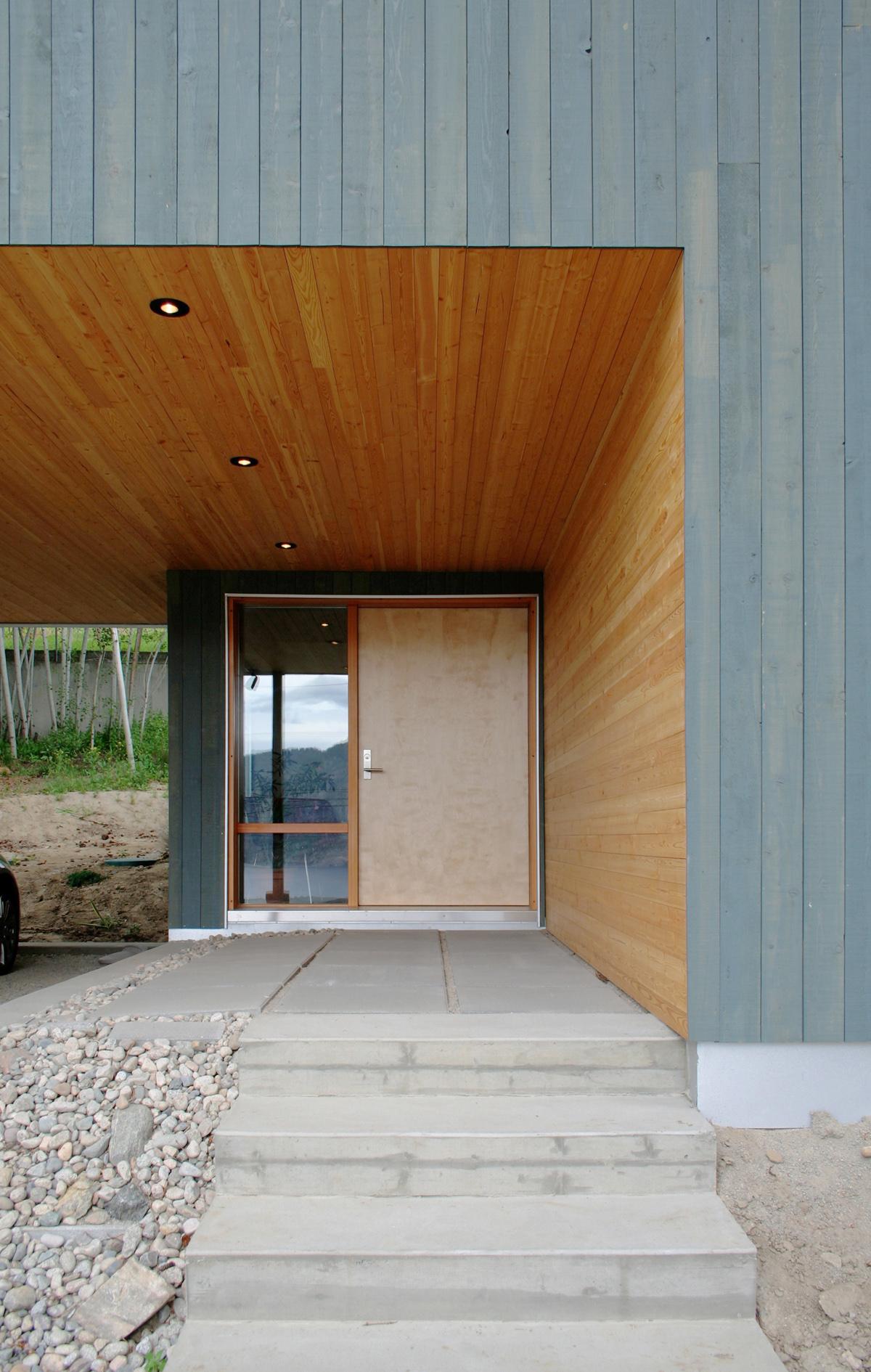entrance-1.jpg