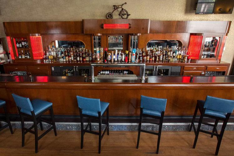 Tour Bucktown's Nostalgic Beer Bar Replacing Silver Cloud