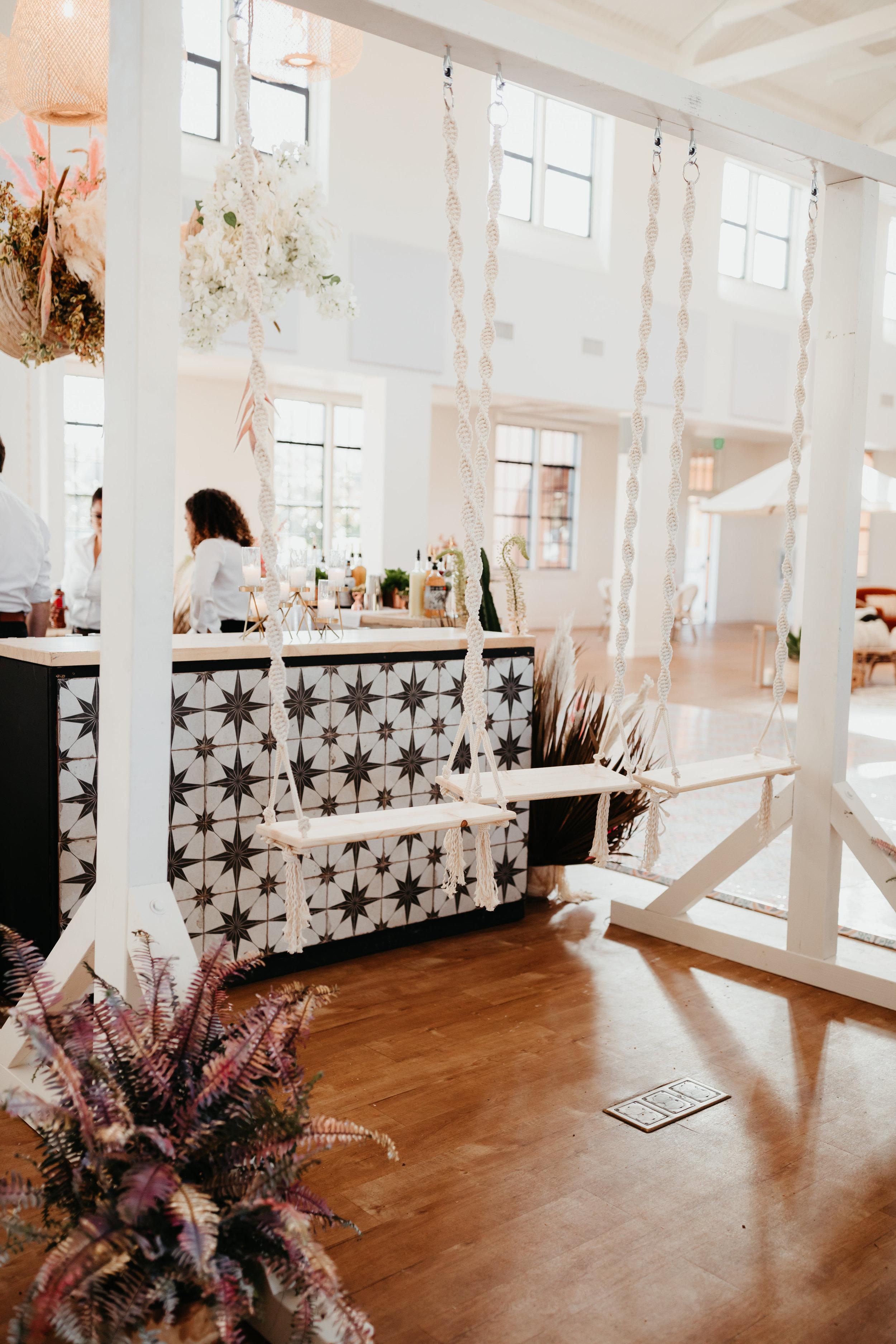TheKnot-WeddingWire-San-Diego-Mixer-2019-300.jpg