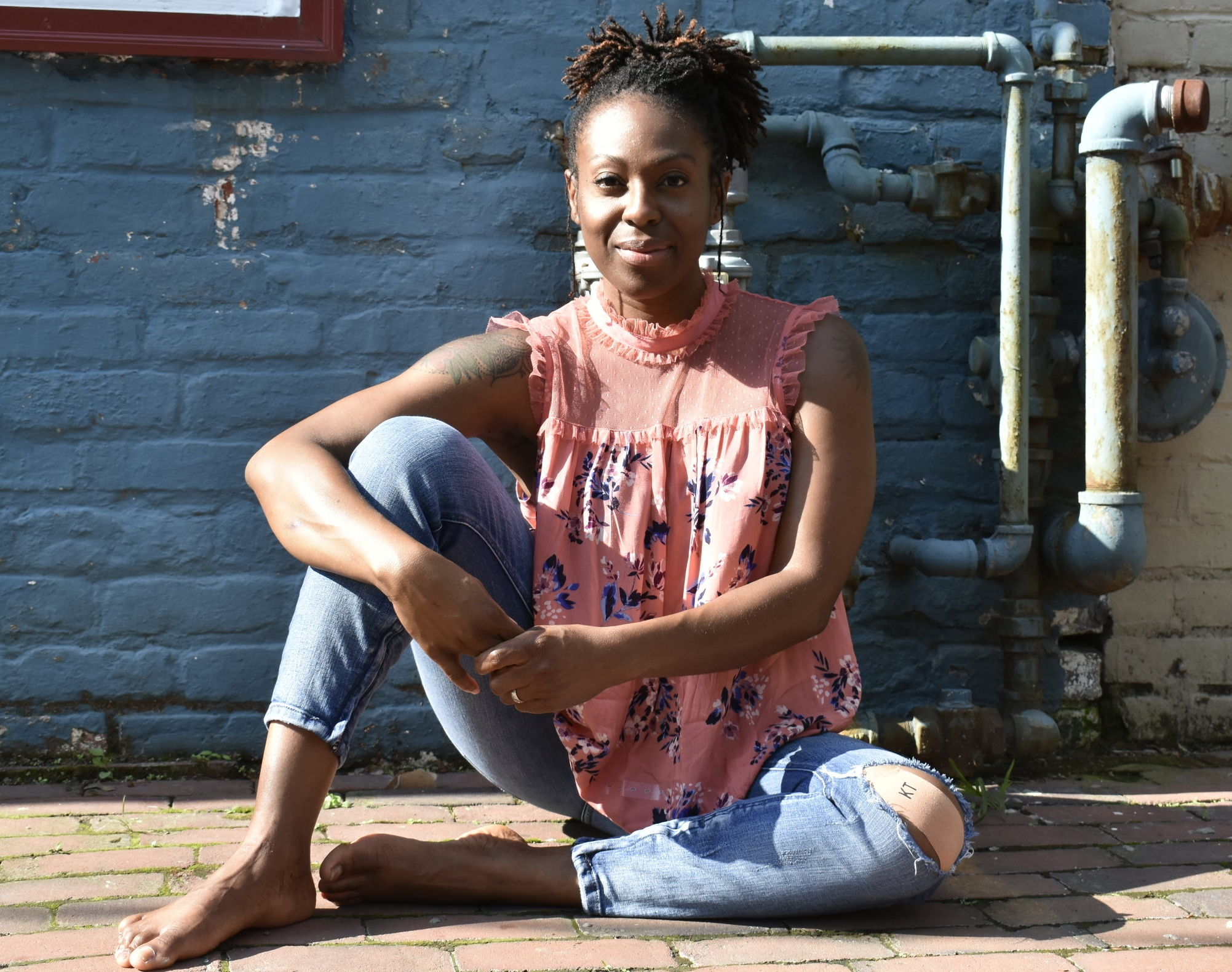 Hi! My name is Niecia. - I am an RYT-200 certified Yoga Instructor, though I prefer to think of myself as more of a Yoga Guide. I offer yoga guidance in workshop, private and corporate settings in Northern Virginia and the Washington DC Metro area.Book a session with Joaquin ➝