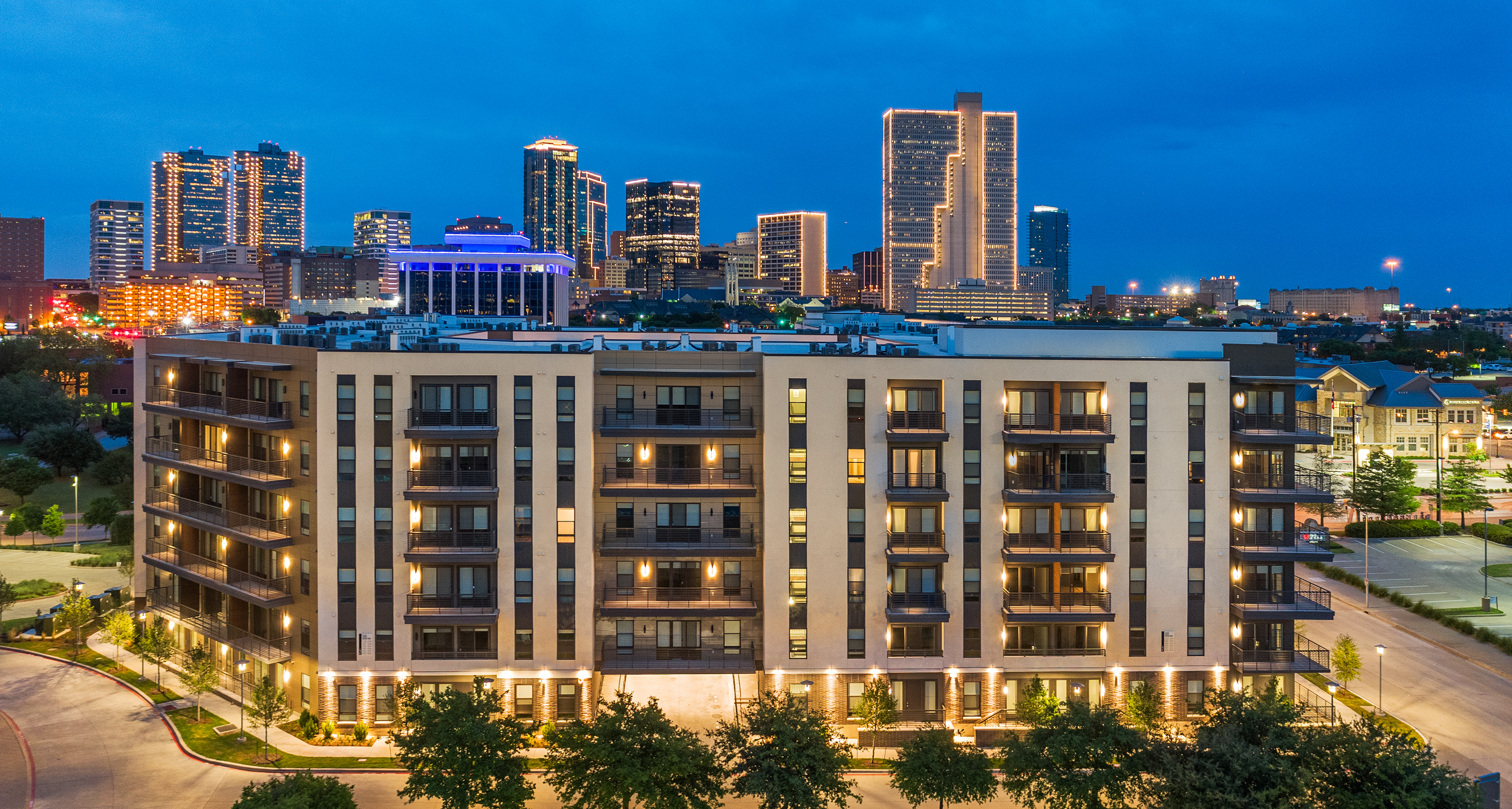 Drone photography of a multifamily building in Fort Worth, Texas.