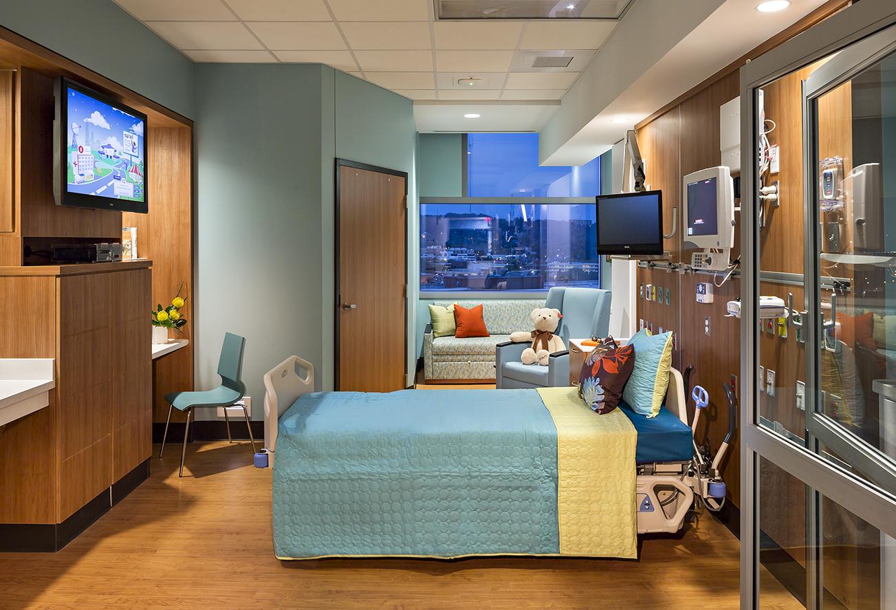 benajim-russel-hospital-for-children-patient-room-knoll-project-profile_l.jpg