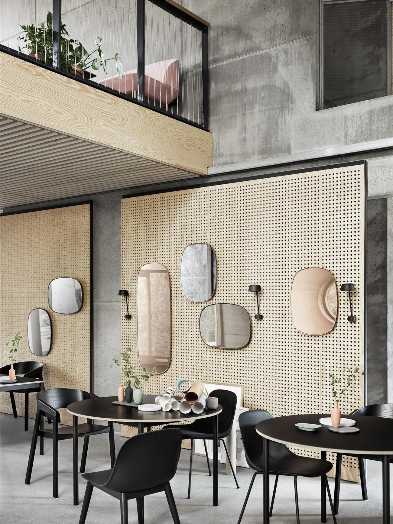 framed-mirrors-cafe-steeting-lean-o110-base-table-med-res-1460122824.jpg