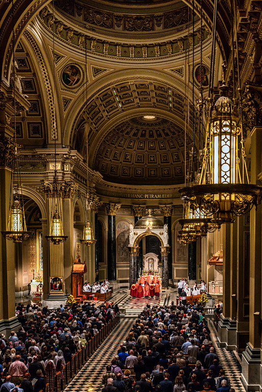 Philly+Pontifical+LatinMass+congregation+and+altar+3+(1+of+1)-XL.jpg