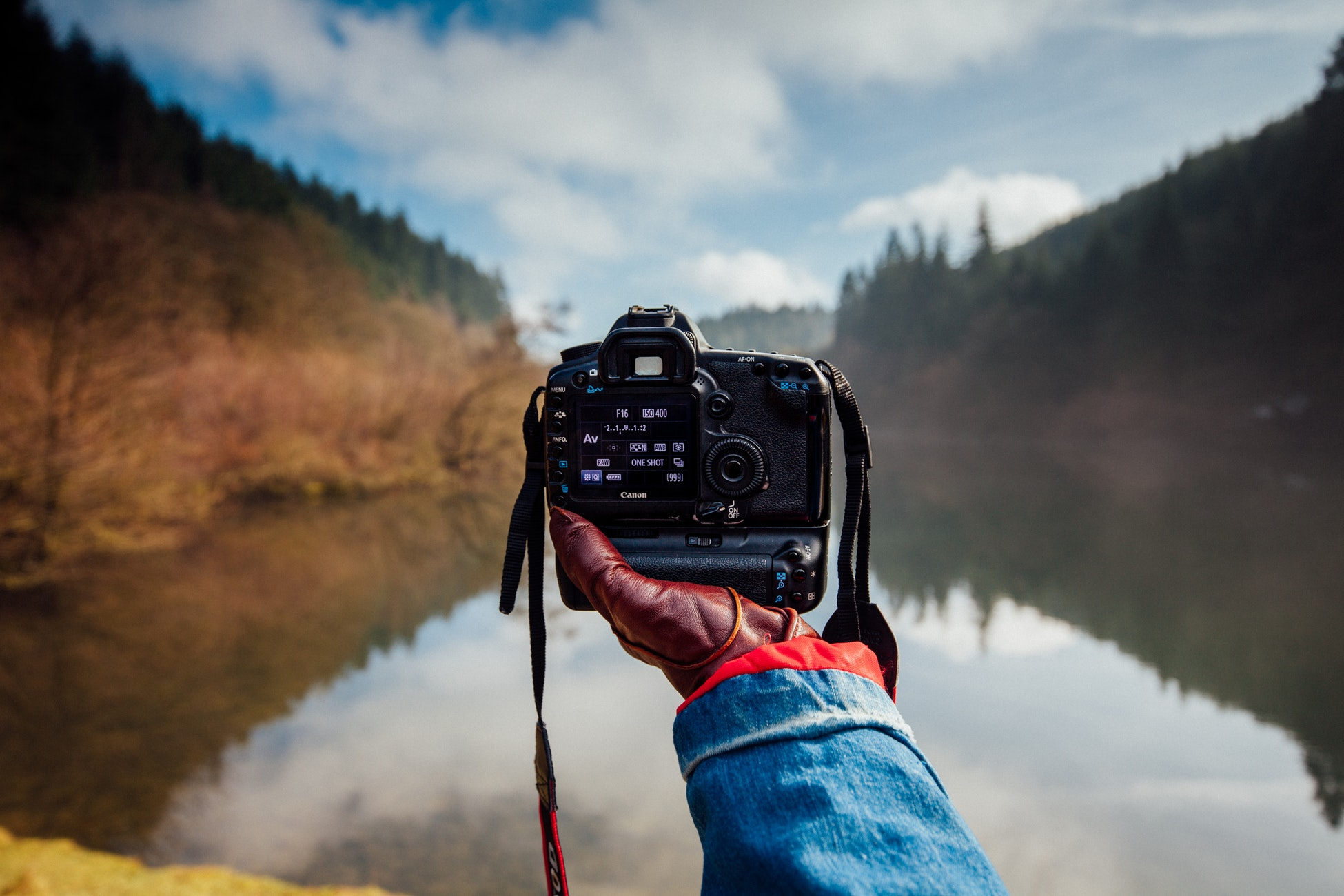 bend photo contest NEWS RELEASE - Interested in photo competitions? Do you consider yourself a Bend, Oregon die-hard? Take a look at this news release I wrote for my Strategic Writing and Media Relations class.