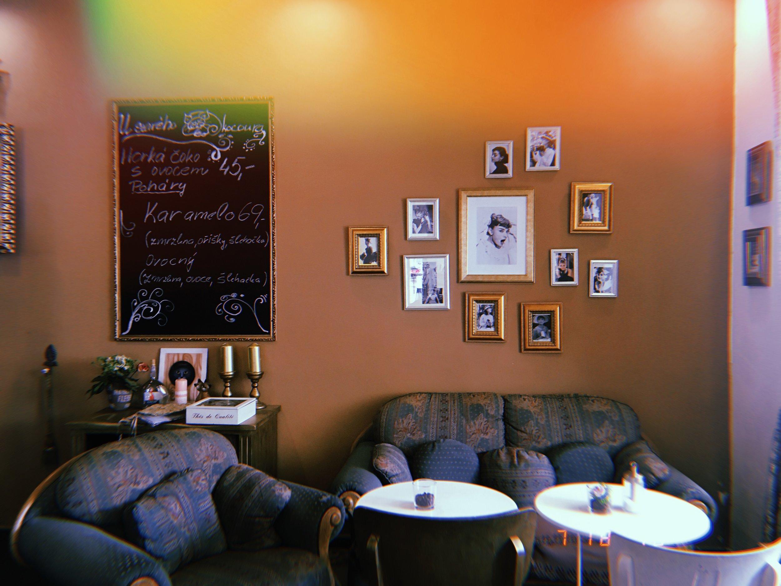 Sightseeing in Kutna Hová | Audrey Hepburn-themed dessert cafe