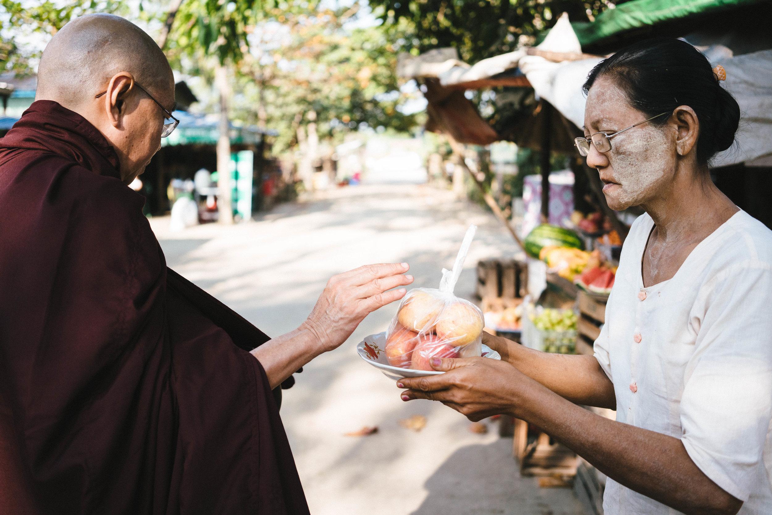 monks-03225.jpg