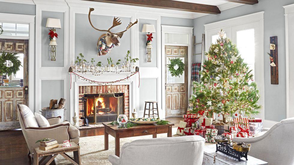 gallery-spirit-christmas-past-shiny-trimmings-1216-1.jpg