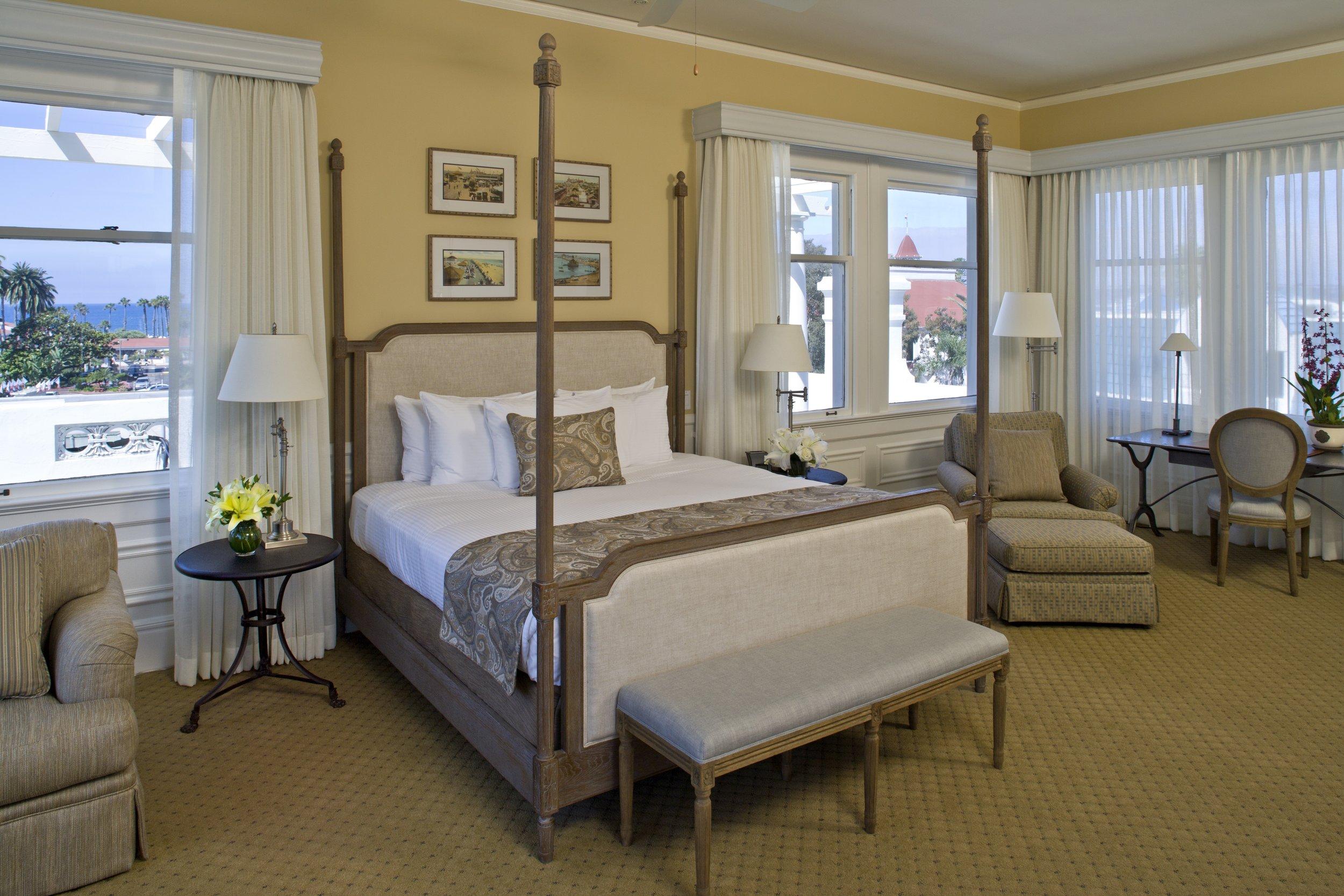 100 Penthouse Room.jpg