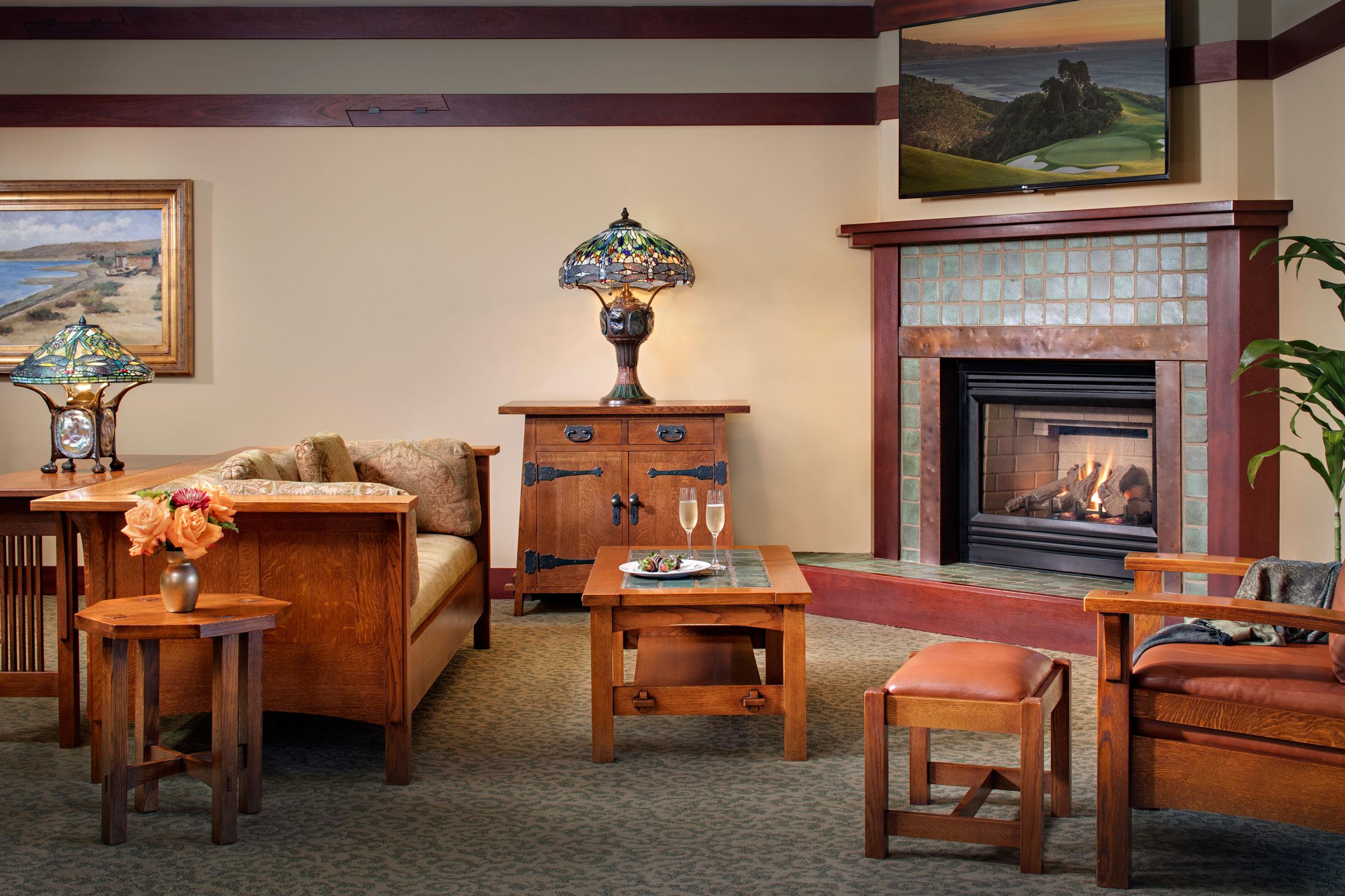 Thorsen_Suite_Livingroom.jpg