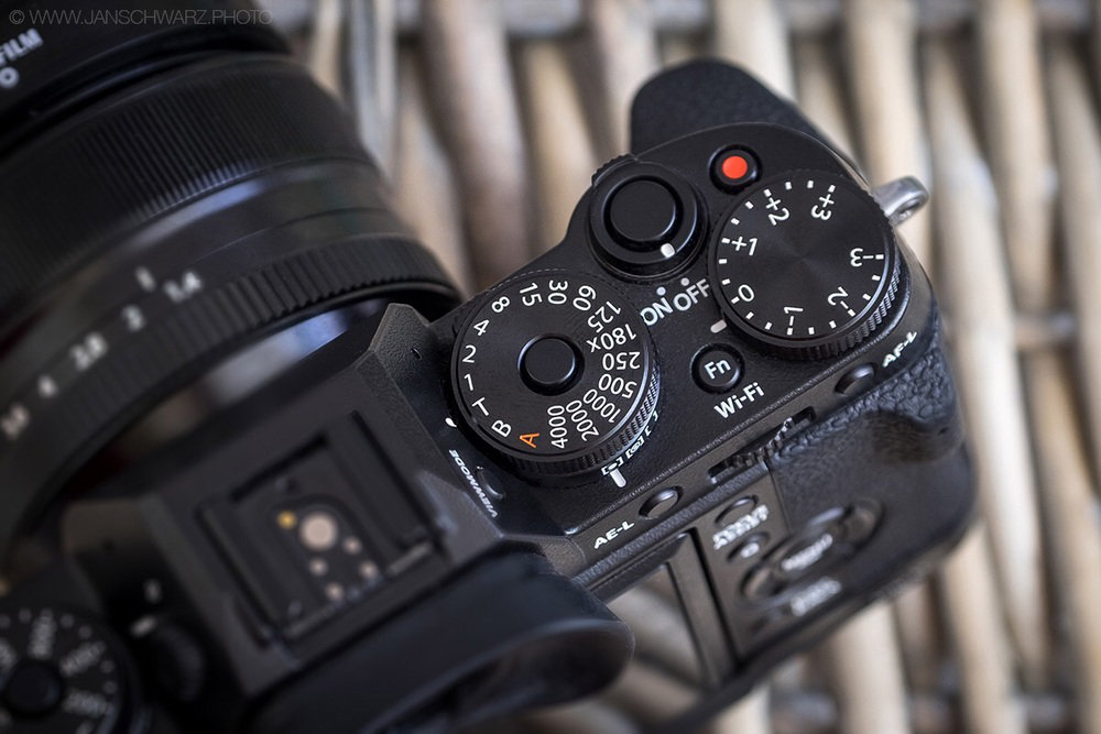 Set the shutter speed dial to the 'T' position for some extra speed in manual mode!