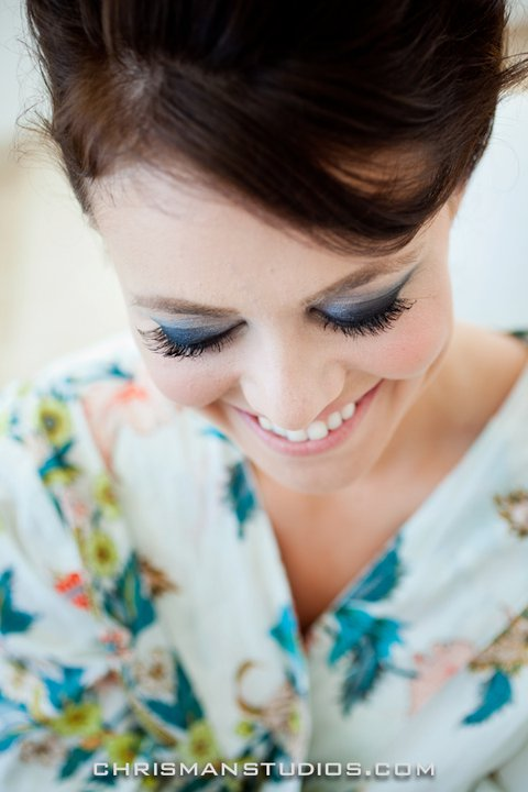 A classic smokey eye for this bride was de rigeur in the bright Mexican sun!