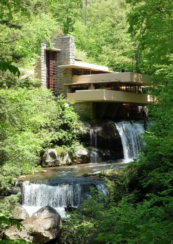 Frank Lloyd Wright's Fallingwater, Kaufmann Residence in Pennsylvania. Courtesy of Wikimedia Commons.