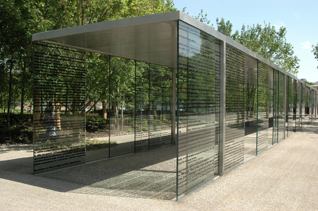 Eva Schlegel, installation view of Novatis Campus Walkwa, 2007