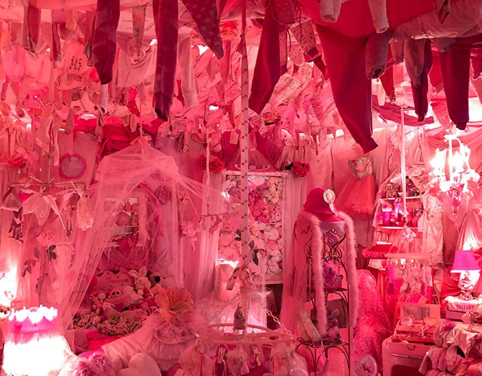 Portia Munson, Pink Project; Bedroom (1994-2018) Victoria Stapley-Brown