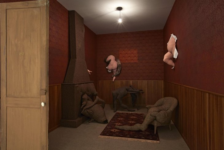 The delightfully creepy Hotel du Pavot. © DACS, 2019the lon