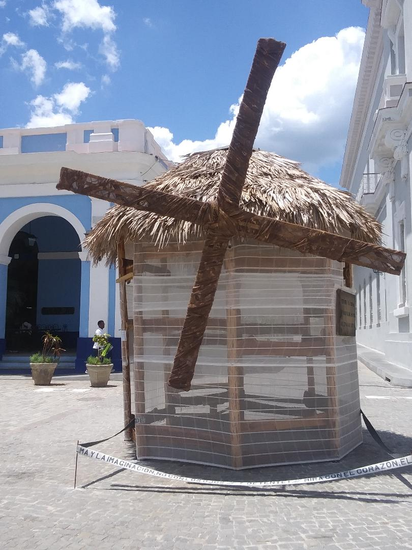 "One of the windmills in ""Proyecto: Brevisima historia de amor con molinos de viento, intervención urbana"" (Project: Brief History of Love with Windmills: Urban Intervention) by José Antonio Hernández Photo: Cuban Art News"
