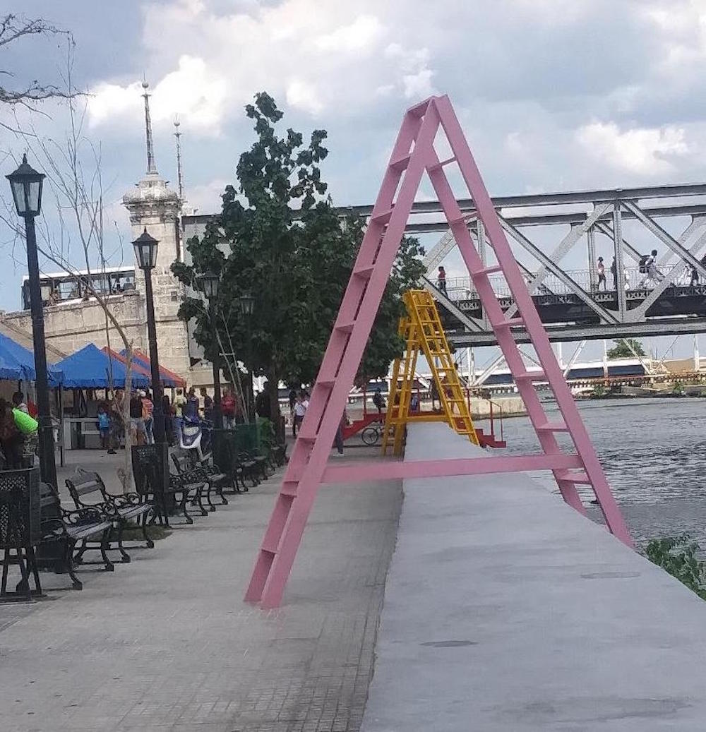 "Some of the ladders to the riverbank in ""Contrahuella,"" the urban intervention by architects Rubier Bernabeu and Wendy Pérez Photo: Cuban Art News"